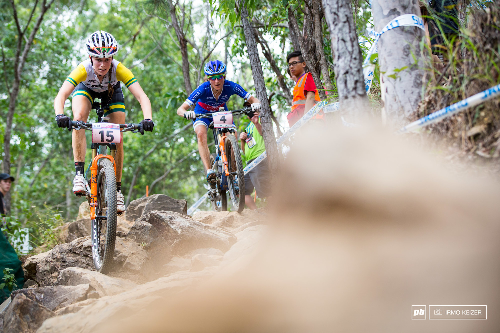 Bec Henderson was poised for a good result in Cairns. In pursuit of Annika Langvad followed closely by Catharine Pendrel.