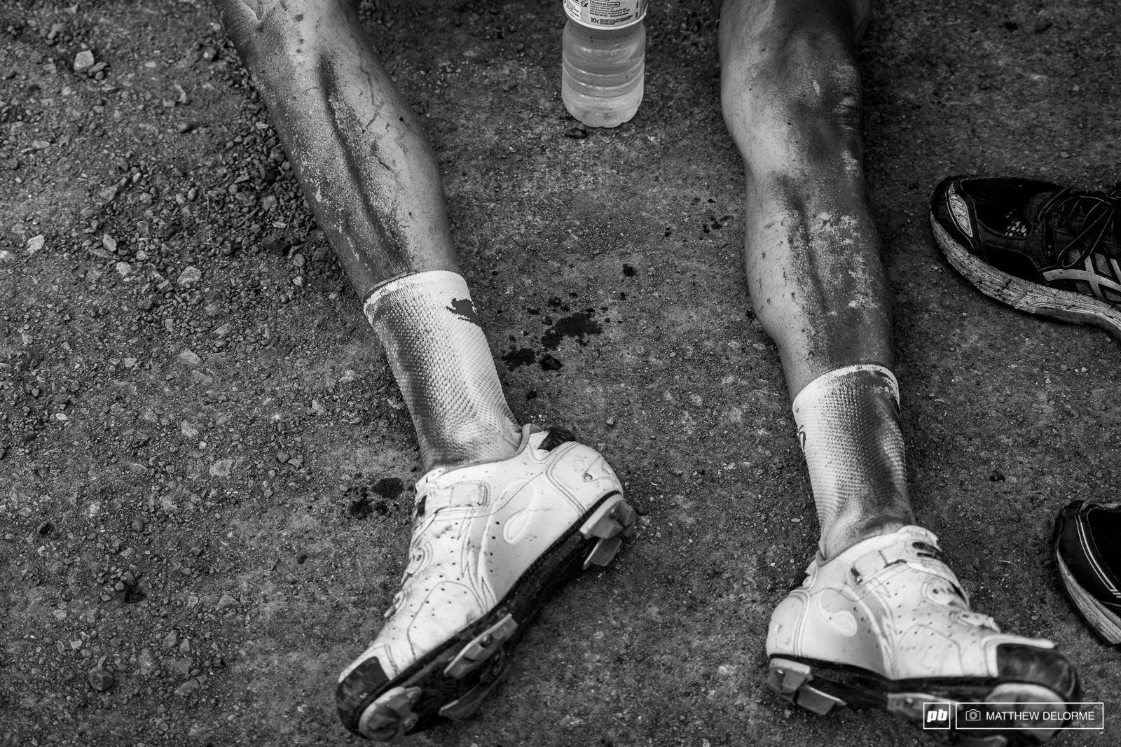 With all the rain we ve had this week you wouldn t expect to see riders come through with so much dust on their legs.