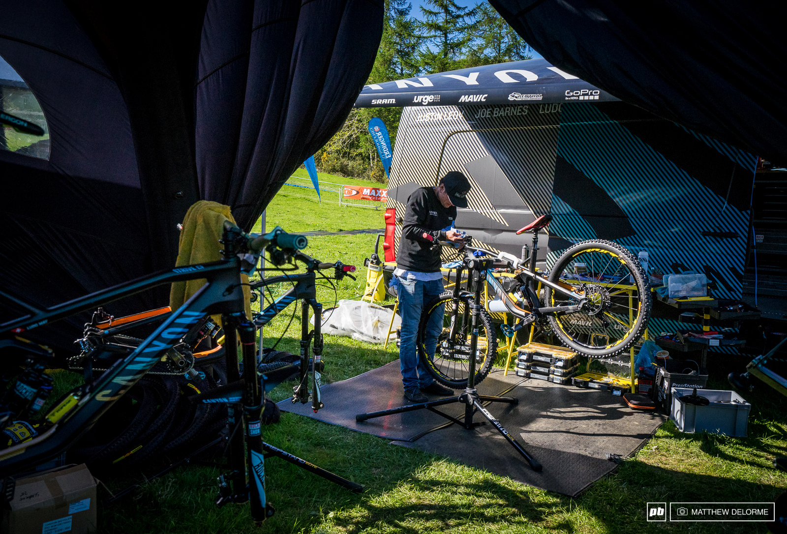Final preparations are being made before race day. Now it s up to the riders to keep their steeds in one piece through seven stages in one day.