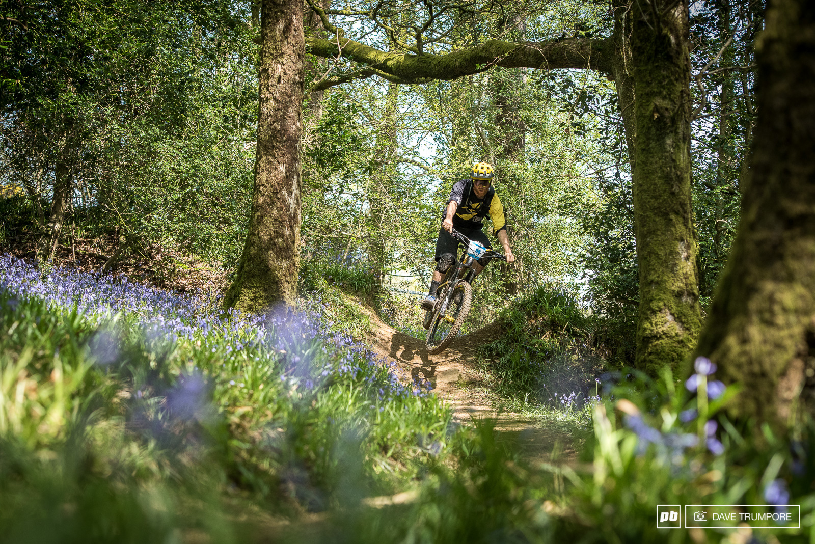 Joe Smith was another World Cup DH rider to smash it this weekend in 9th... Flat pedals and all.