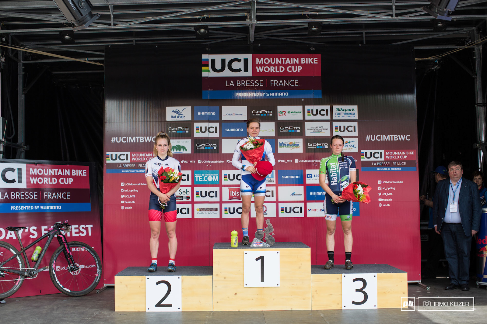 Your women s U2e podium another win for Sina Frei second for Evie Richards and third for Anne Tauber.