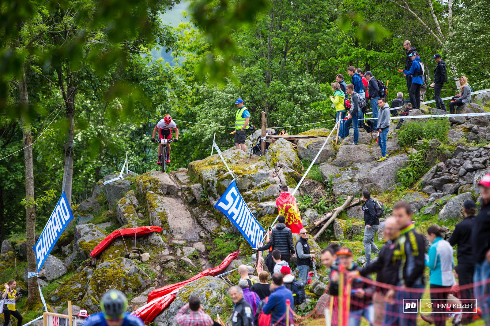 Sam Gaze worked hard to get into third. He remains in the lead of the 2016 UCI MTB World Cup.