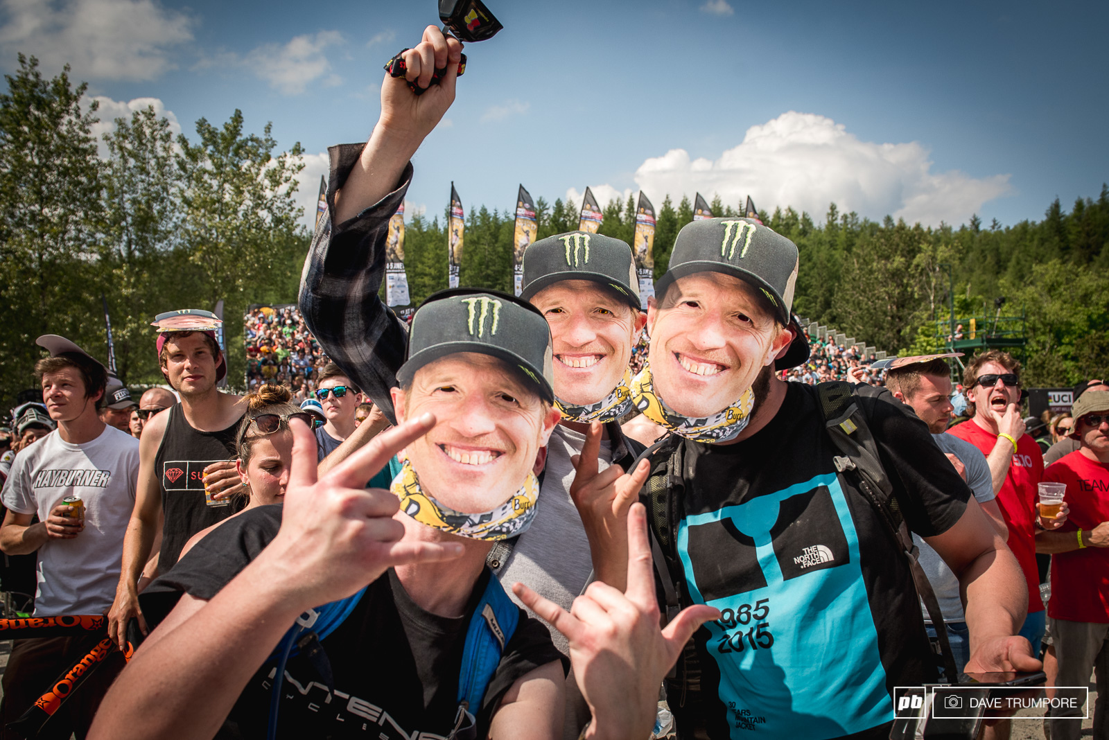 Being Steve Peats last race in Fort William the organizers had a surprise for him.
