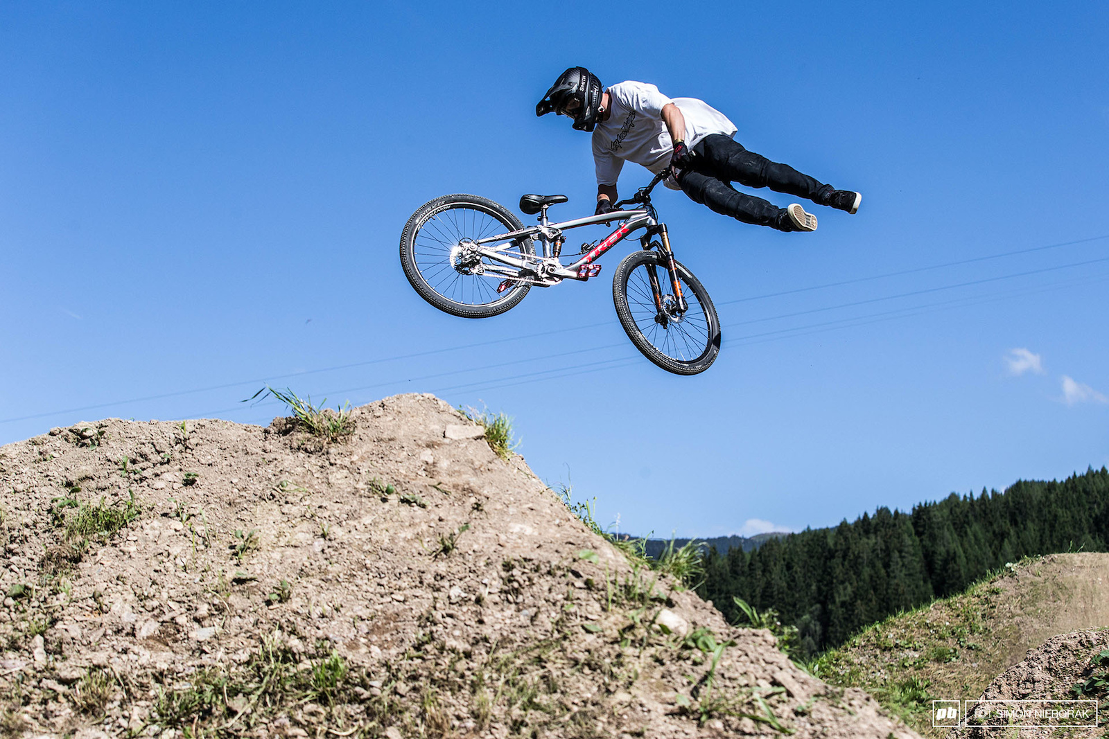 Sweet tailwhip on a hip jump.