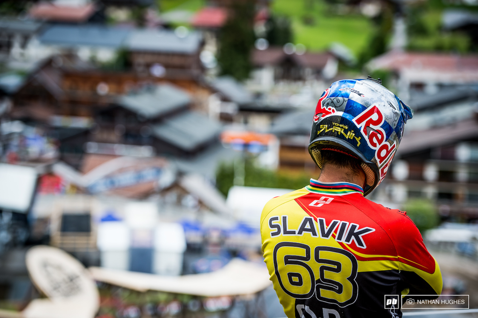 Former 4x World Champ Tomas Slavik Czeching out the course below.