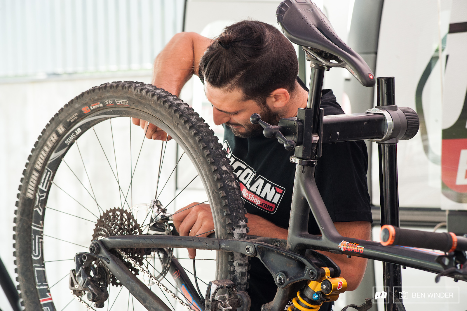 A couple of final checks to Alex Lupato s bike.