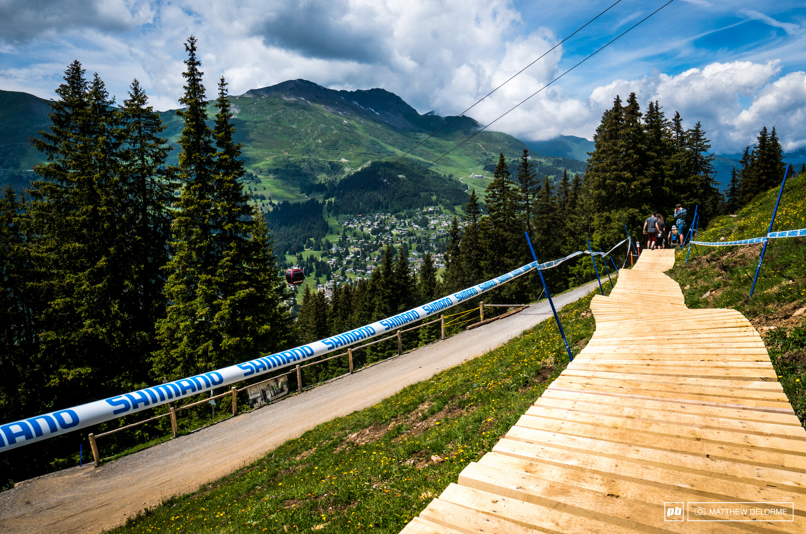 Another World Cup track falls prey to Bikeparkification. Things are looking rather smooth compared to last year.