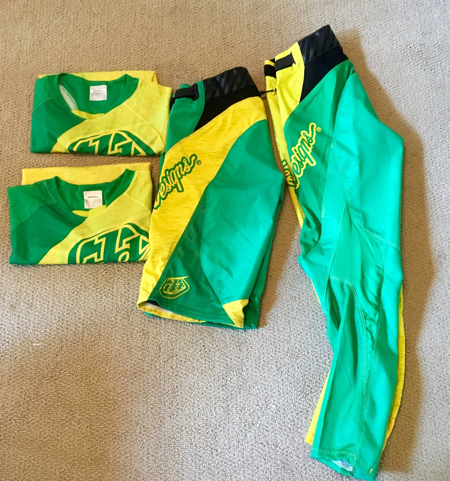 TLD women's sprint kit - $130 for all Jerseys x2, size small Shorts size 30 Pants size 28 In great condition.  Buyer pays shipping.