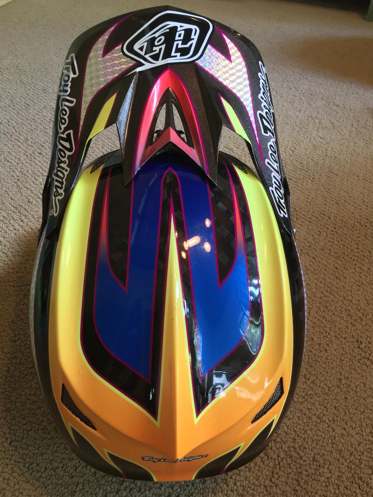 TLD D3 Carbon helmet
