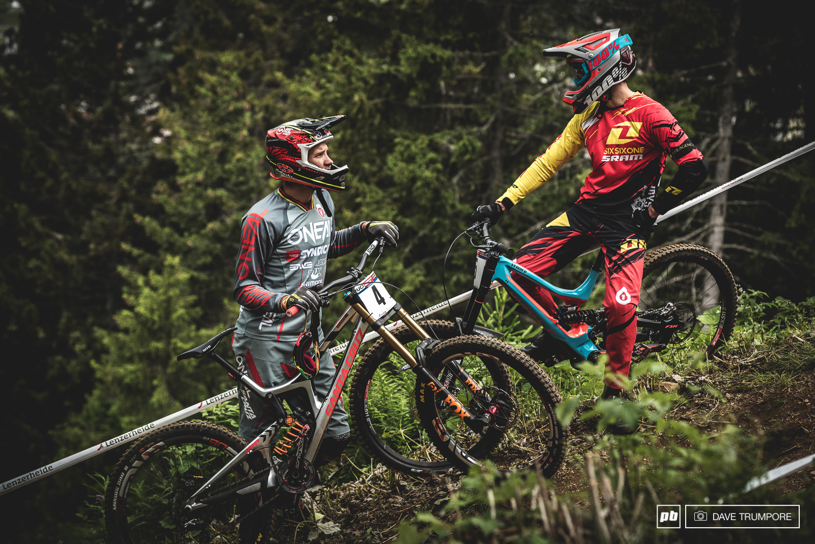 Greg Minnaar and Loris Vergier chat about lines at the close of practice.