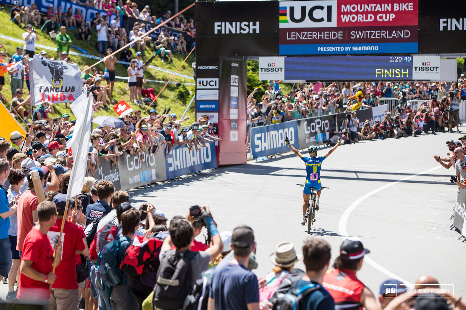 World Champion in the U23 category Jenny Rissveds taking the win in the elite women s field today in Lenzerheide.