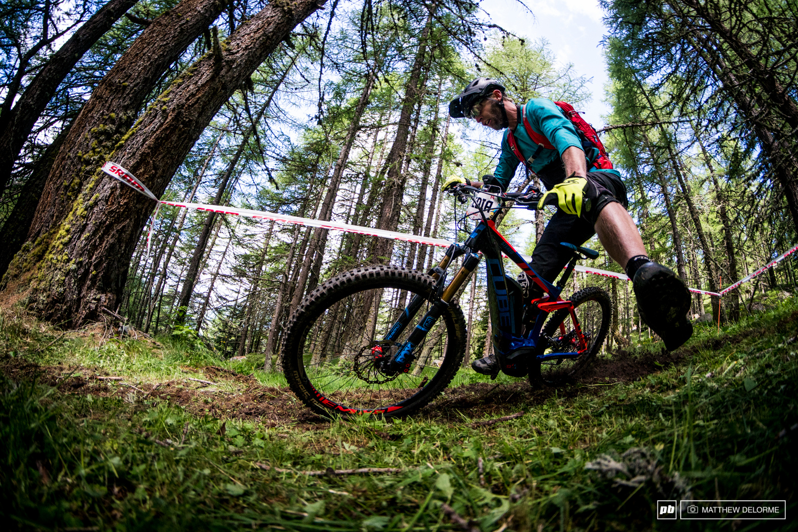 There is a ton of fresh track out there in La Thuile this time around which made for some fun cornering sessions.