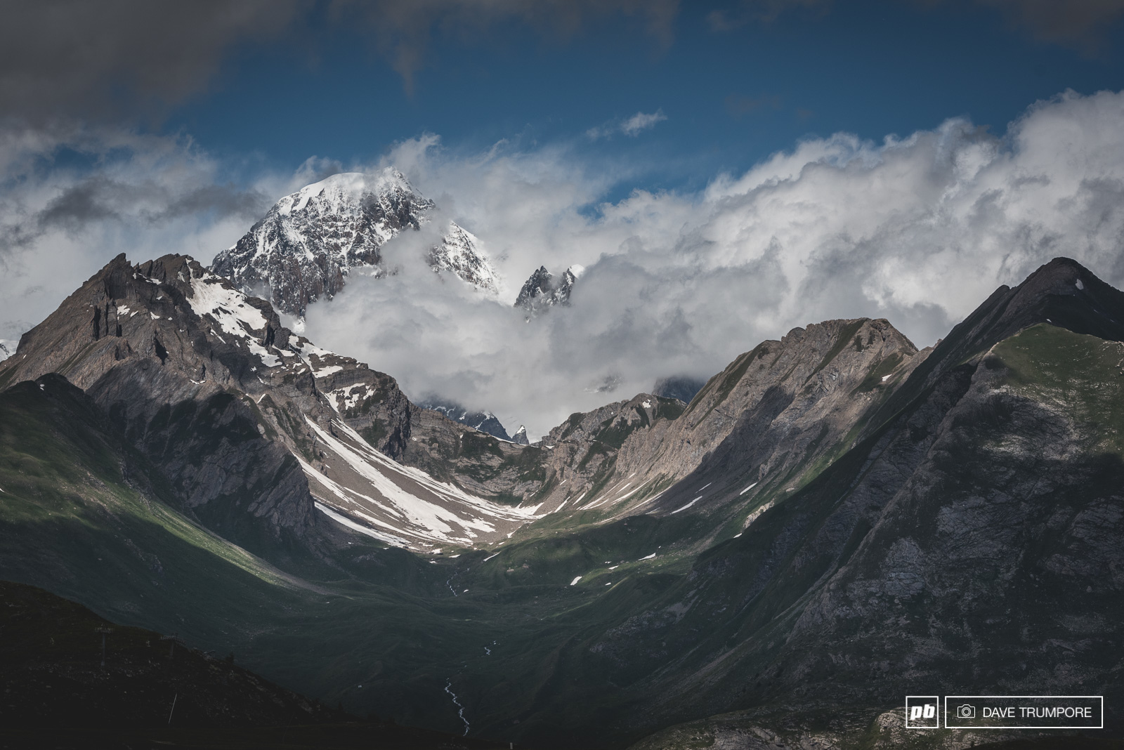 Just for a second and not a moment longer Monte Bianco finally appeared through the veil of clouds. Stages 2 and 5 both share this magnificent view right out of the start gate.