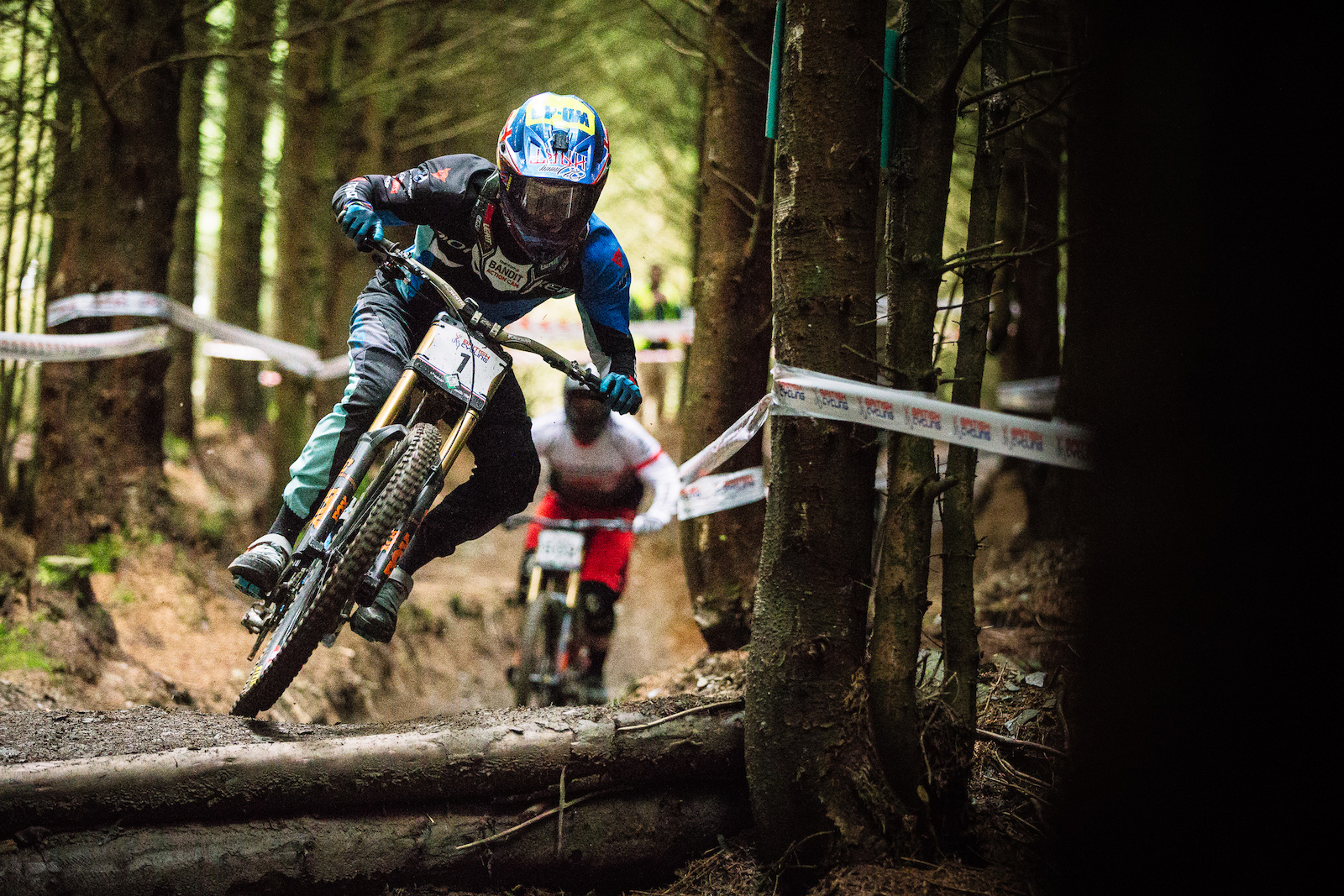 With the success of Lenzerheide keeping spirits high Danny Hart is searching for every advantage on track and showing some serious speed in practice.