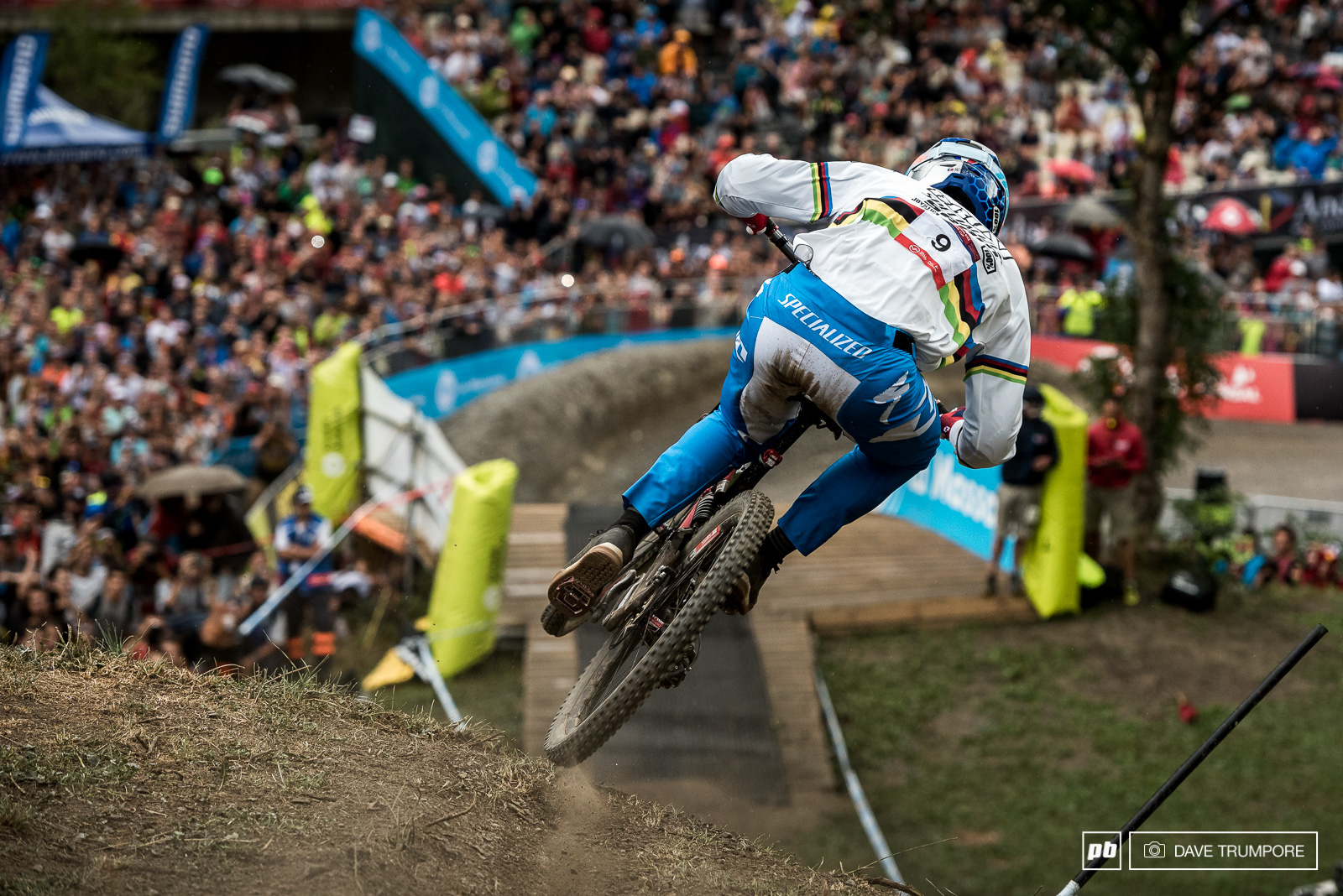 The last time Loic raced here he went home with those rainbow stripes. He was happy to walk away with a third today and has his sights firmly set on defending his world title next weekend in Italy.