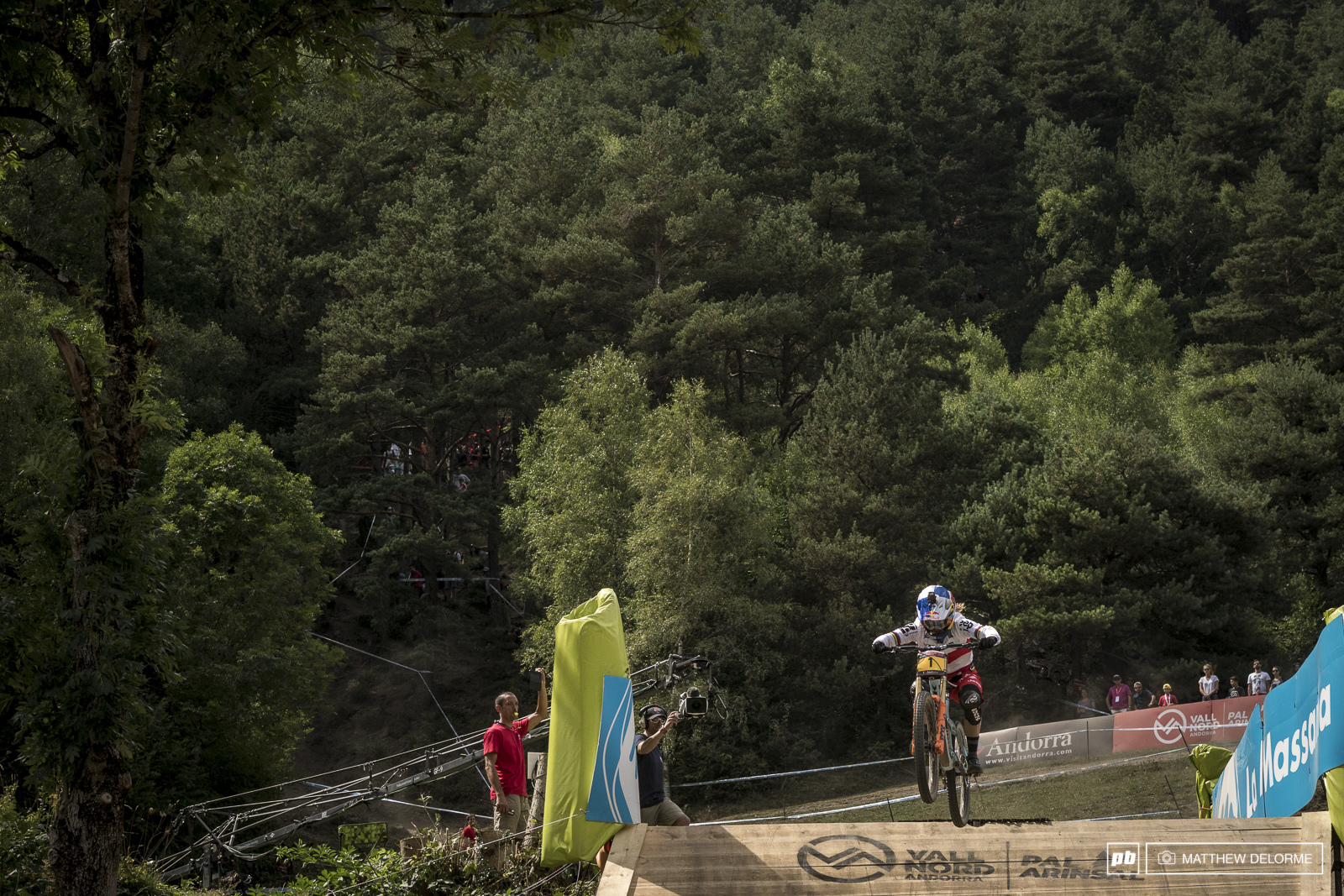 Rachel chucks it in to the finish for her final win of the World Cup season.