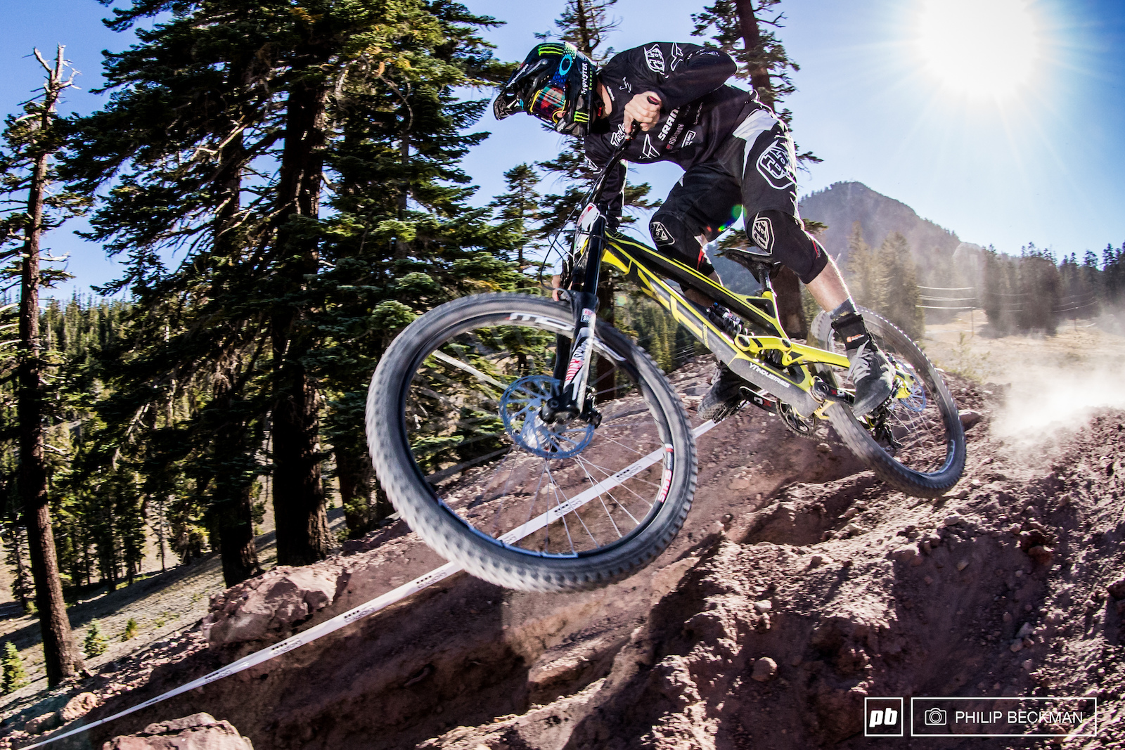 Cam Zink YT Mob Monster Energy has seen plentiful success at Mammoth. ESPN viewers may recall a certain world record backflip at 100 feet and 3 inches. To be precise. Don t bet against him for the KBG DH win.