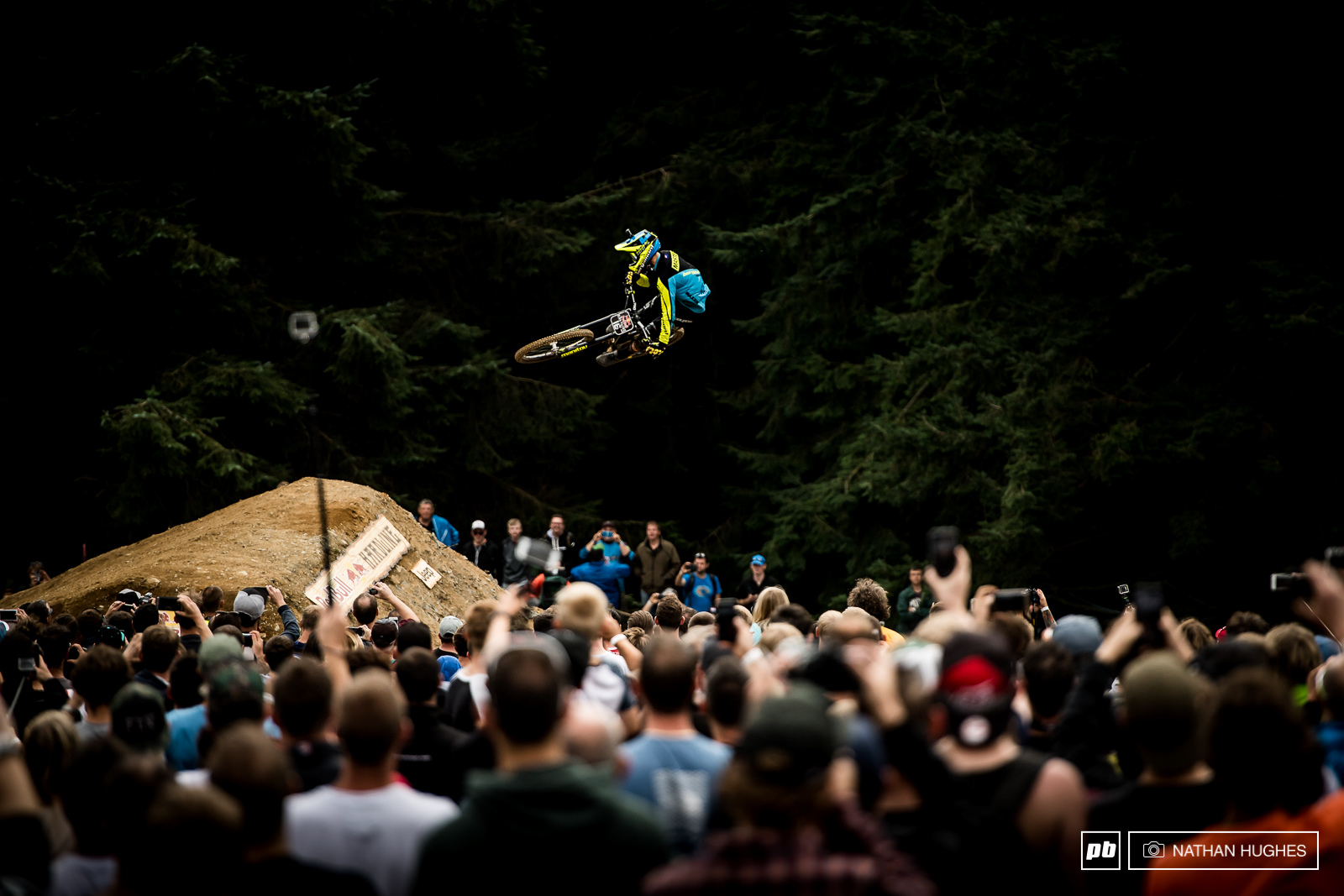 Eddy Masters getting sideways for the people...