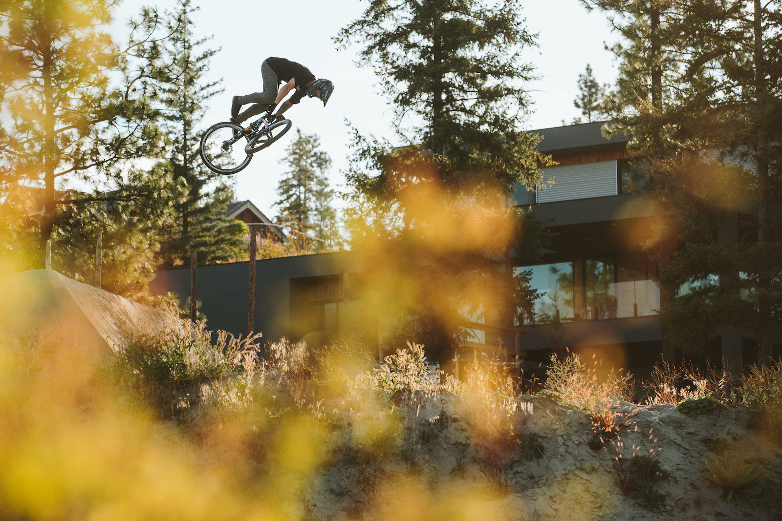Tom van Steenbergen - Robb Thompson Photo