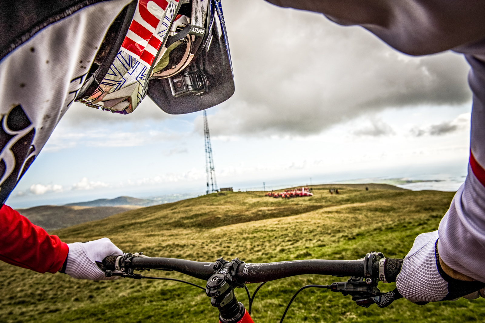 Gee gets view of his quarry. Photo - Sebastian Marko