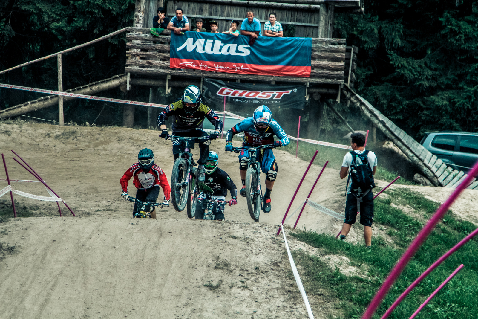 Waldburger and Slavik in a hard battle after the first turn - Photographer Christoph Vonmetz