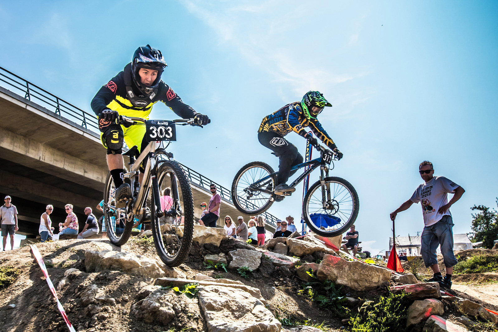 Dual Slalom isn t 4Cross racing - At least both can include rock gardens - Photographer J rgen Albrecht