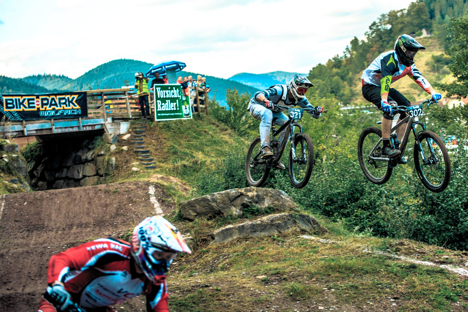 Over 110 riders like to battle the season final in the Black Forest track - Photograher Florian G rtner - Canonite.ch
