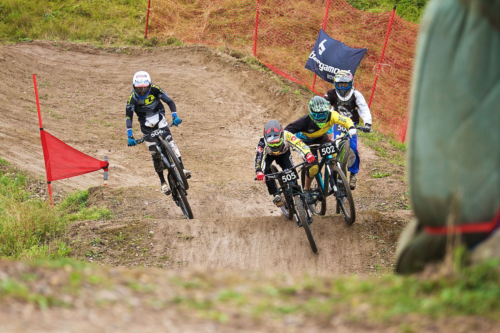 The first turn in Leibstadt is well known for some overtaking action - Photographer Valentin Mueller