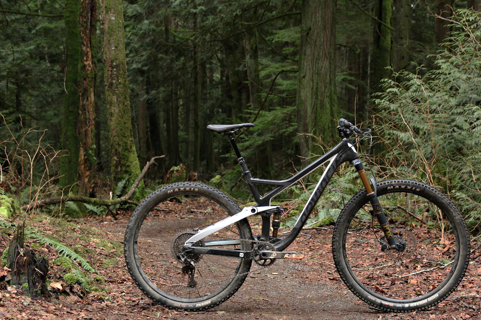 15e99a7f9fcb Devinci Django Carbon 29 X01 - Review - Pinkbike