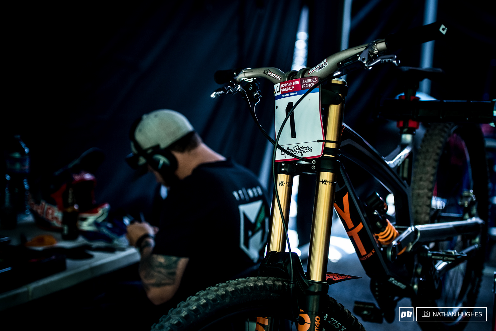 John Hall knuckles down to some qualie-day prep at the Mob pits.