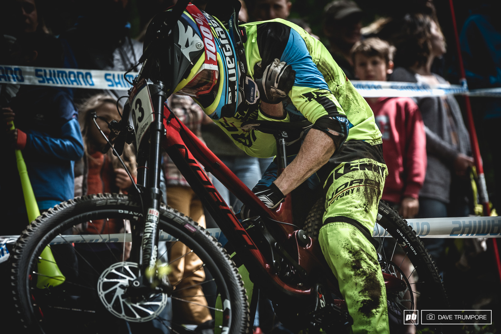 Joe Smith had a massive crash and had to pul off track with what looked like an injured shoulder. Let s hope it s not too serious and that he will be back out amongst it at the next round.