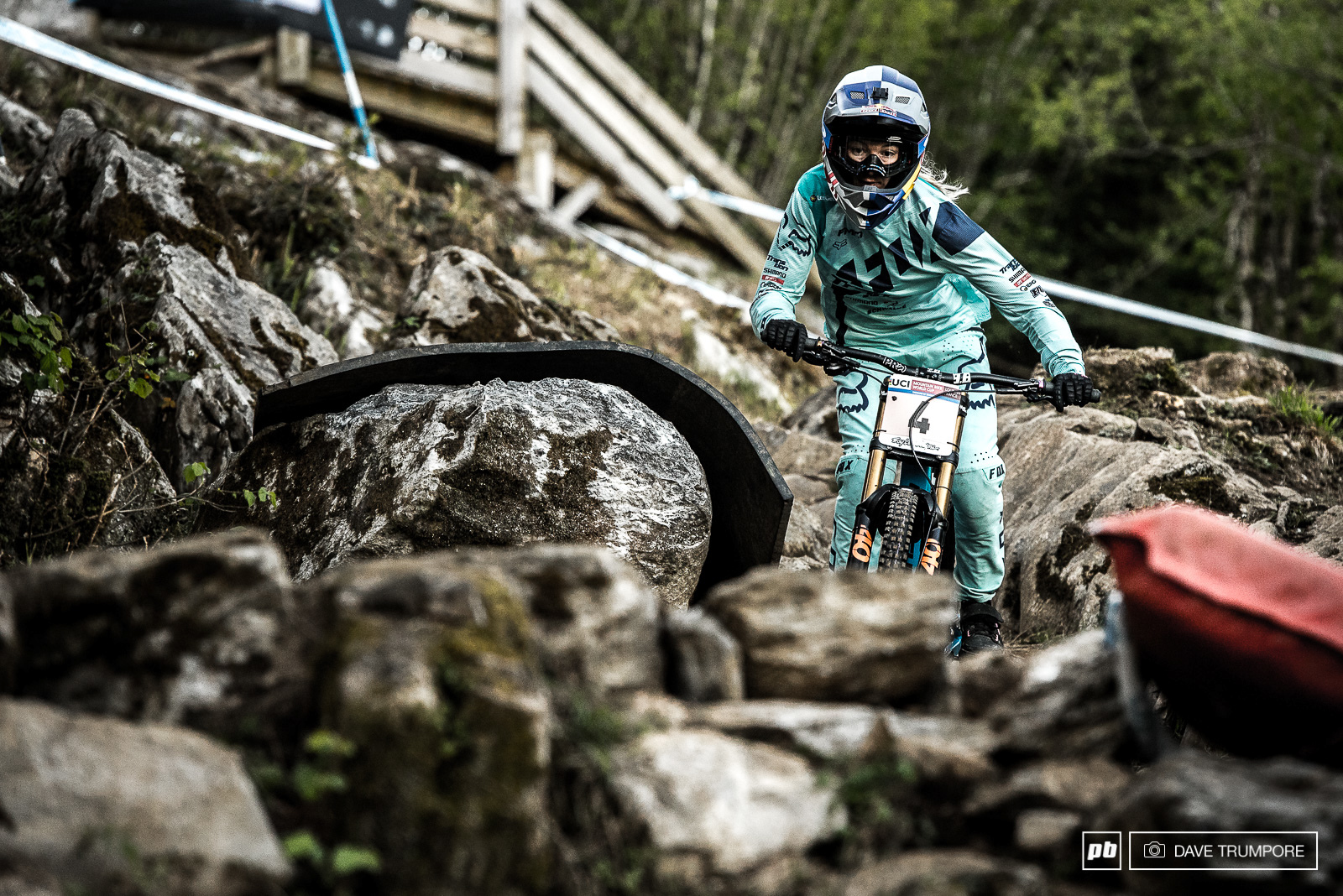 Tahnee has been saying all off season that she wants to beat Rachel Atherton and end the winning streak and today she got one step closer to that goal.