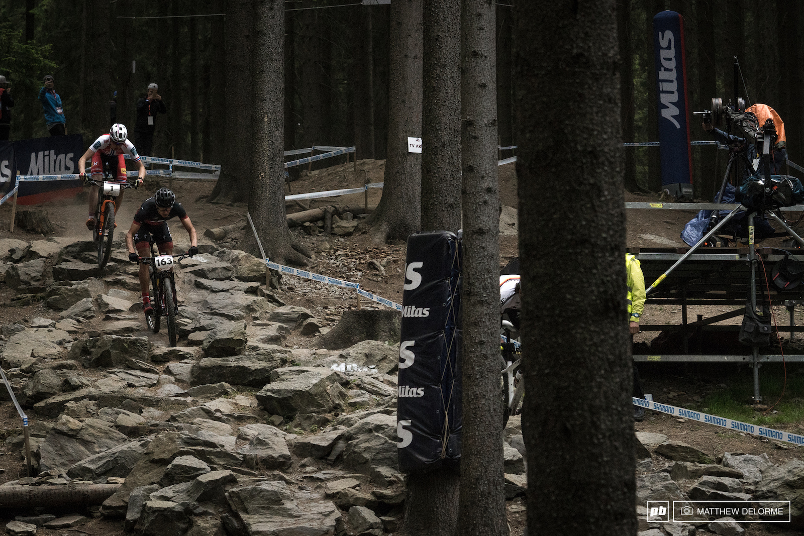 Sebastian Fini Carstensen leads Fagerhaug early on through Mitas Choice.