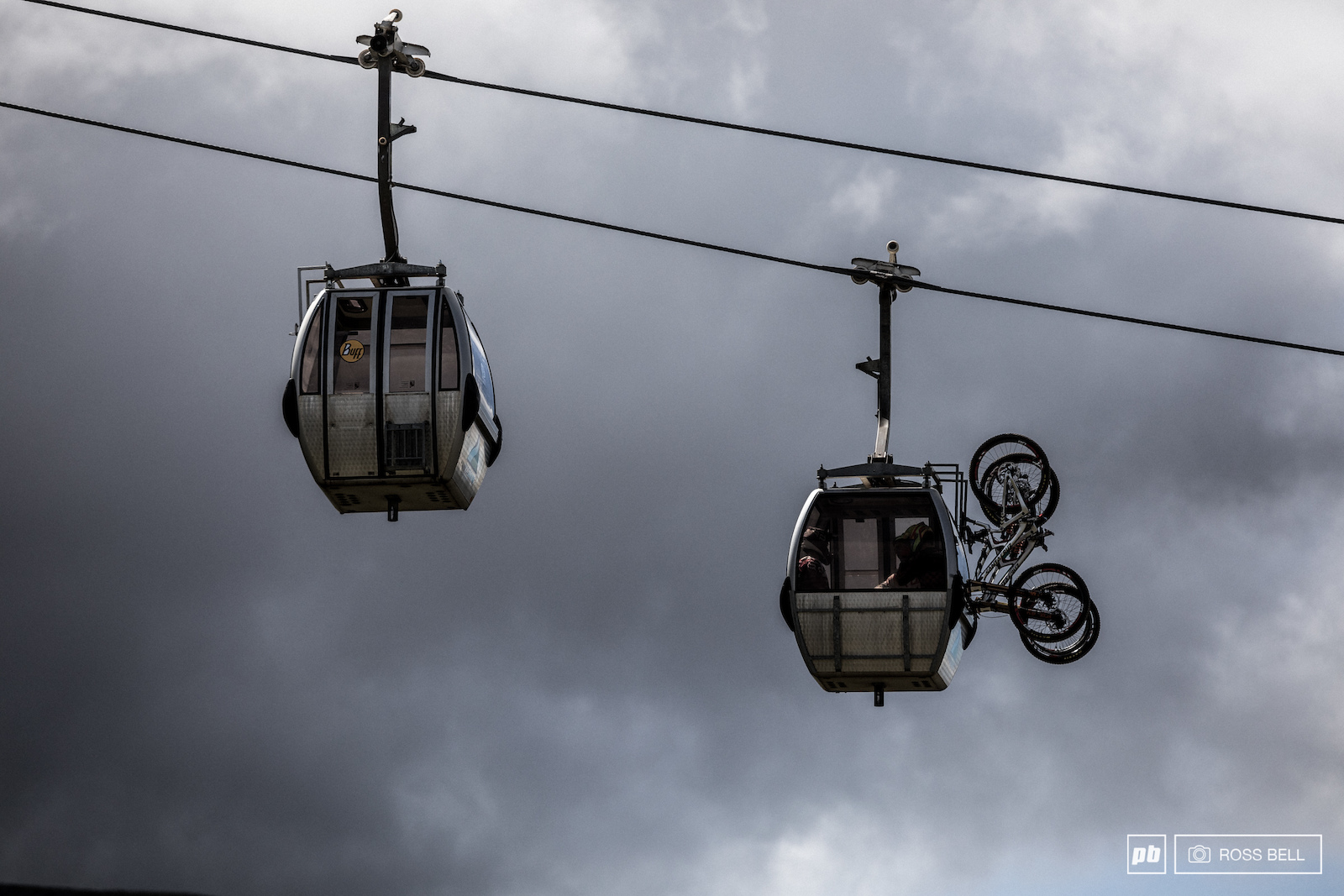 The Syndicate and Loic Bruni share a gondola up together.