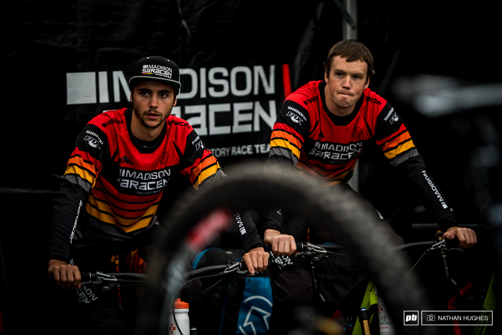 Warm up spins at the Madison Saracen pit with Simmons and Marin.