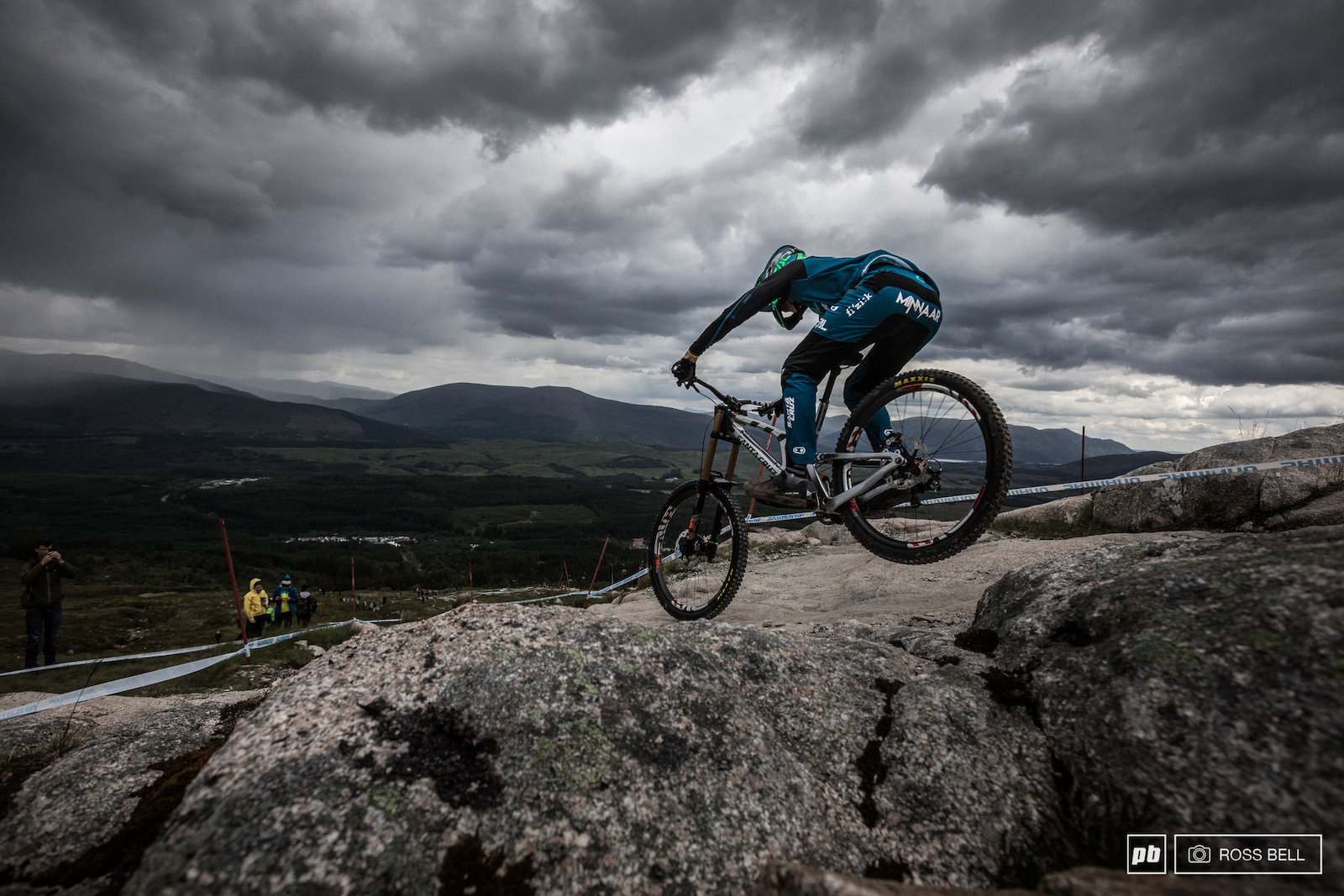 Big wheels make the Fort William weather gods angry. Greg Minnaar doesn t care though.