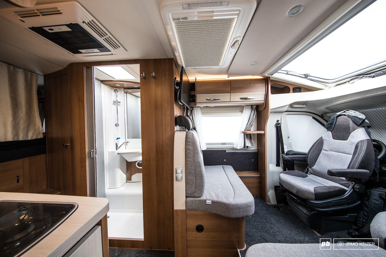 The team also owns a camper which is parked next to the teamtruck. It allows the riders to have some more privacy if needed relax and have a shower.