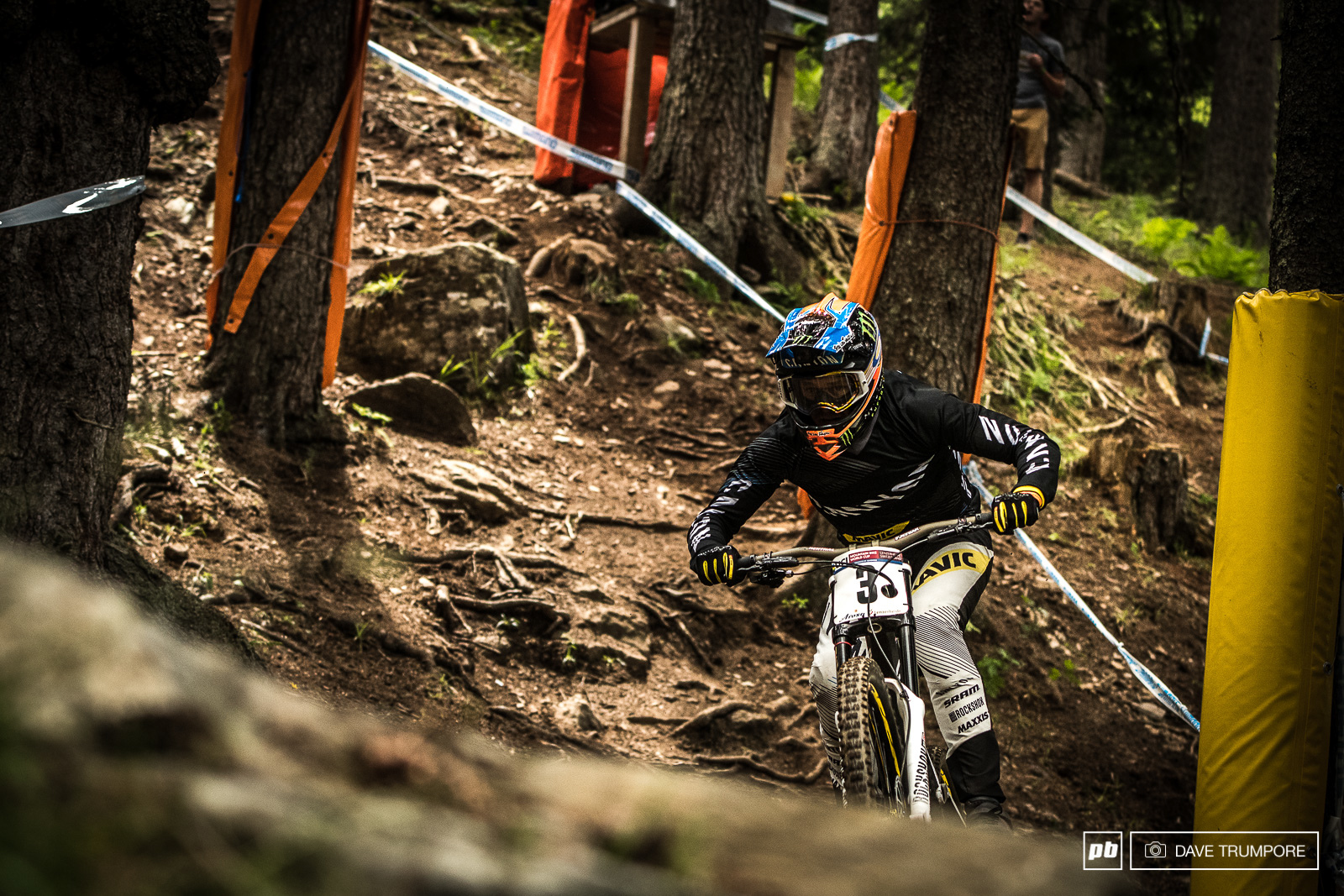 Last weeks winner Troy Brosnan was on a charge this week in Lenzerheide and with his 2nd place finish he now sit s 2nd in the overall behind Greg Minnaar.