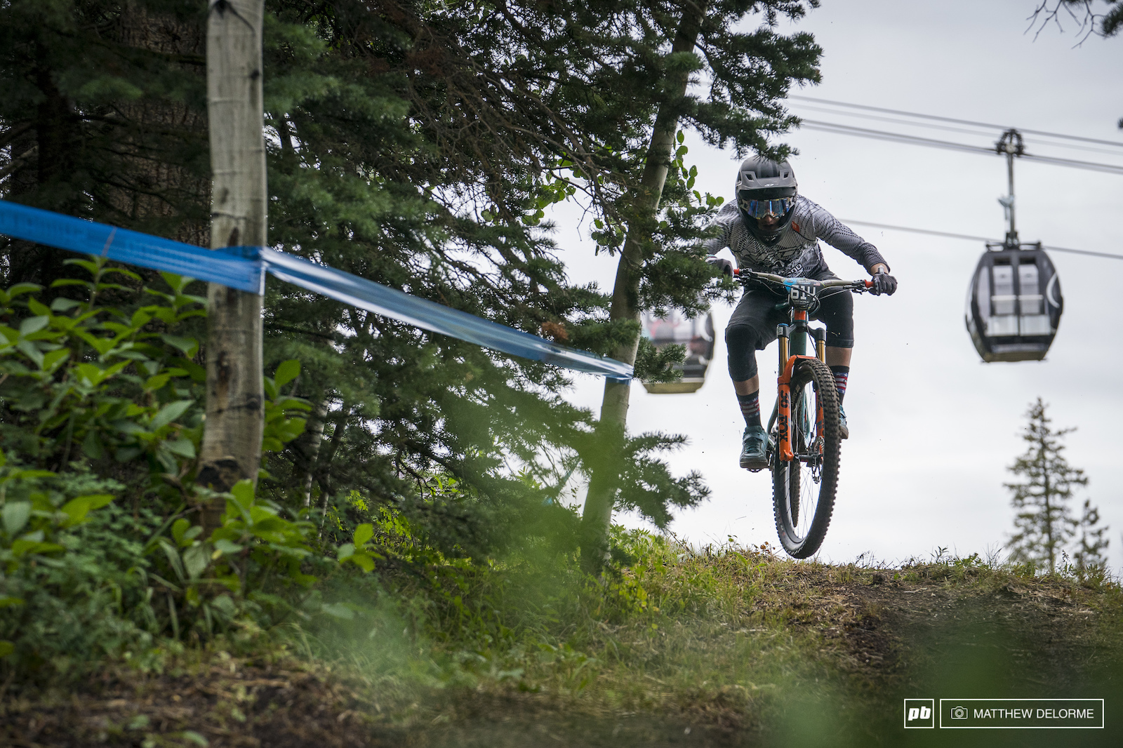 Yeti s Duncan Nason took the lead today for the junior men.