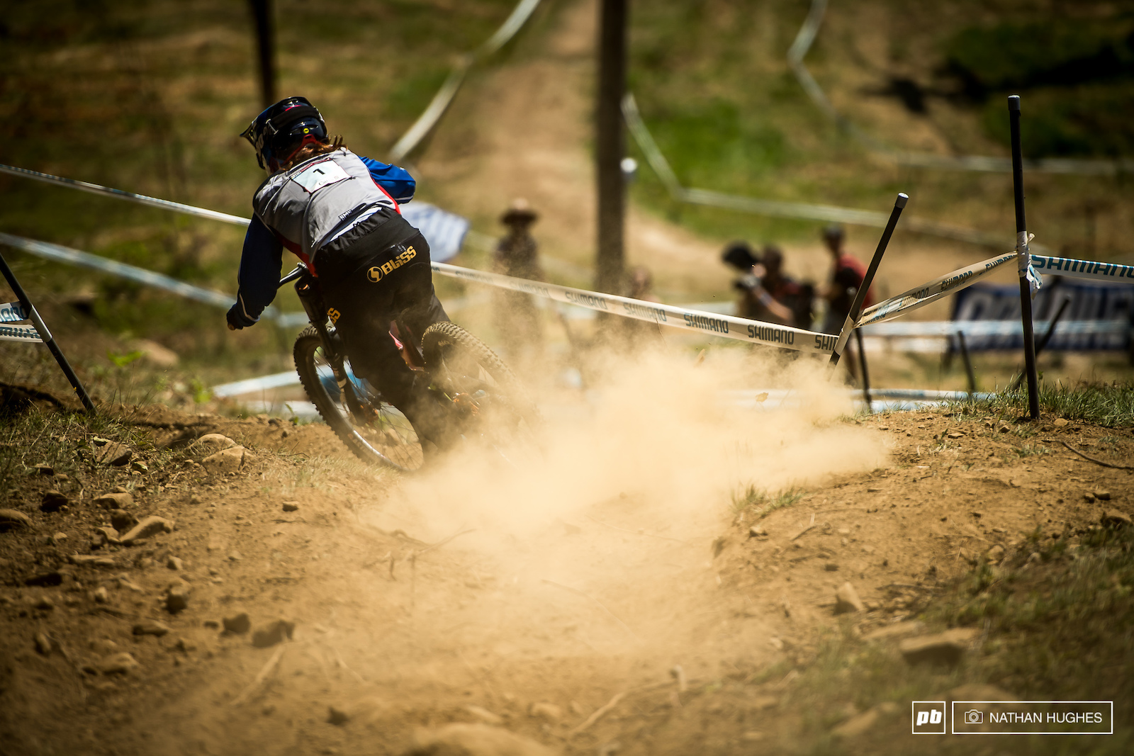 Melanie Chappaz leaving the rest of the junior women s field in her dust this afternoon 8 seconds up.