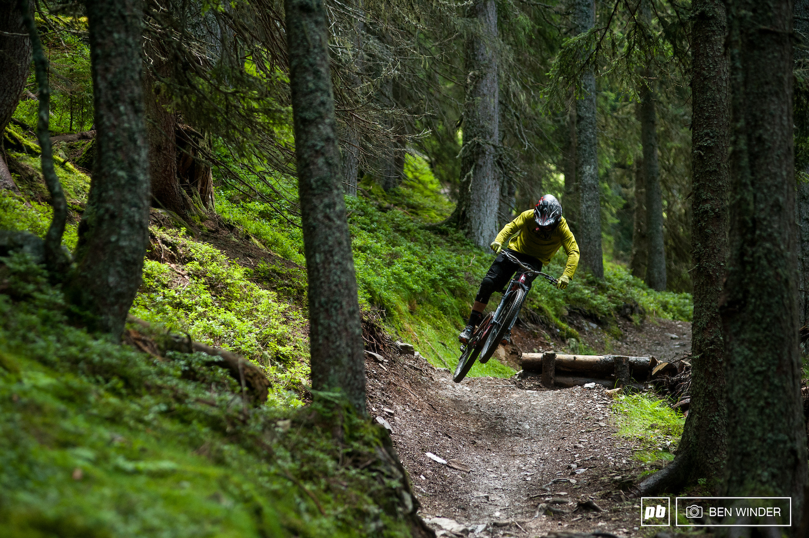 Some of the downhill trails in Saalbach are tough and rough. We were slightly out of our depth on trail bikes. But on a downhill bike they d be incredible.
