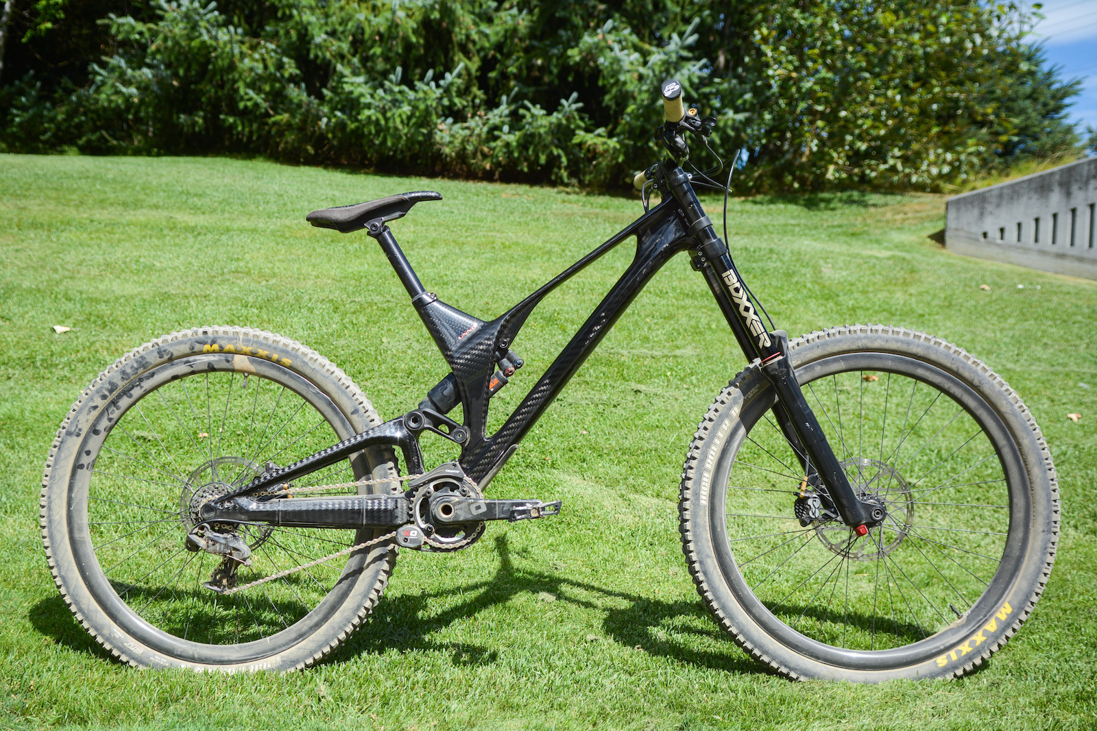 Unno\'s Showstopping Carbon DH Bike: First Ride - Crankworx Whistler ...