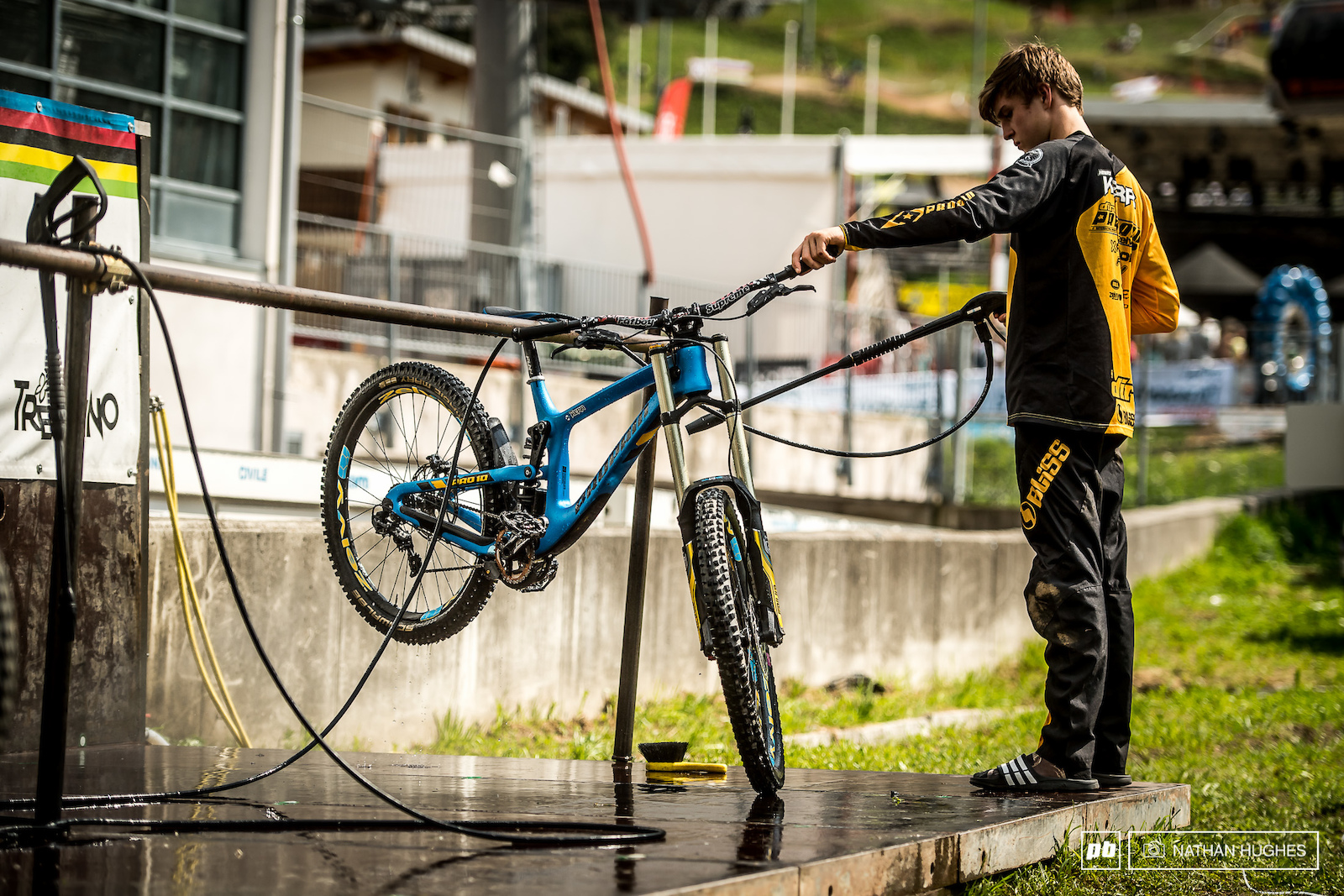 Time for a proper hose down after a tough day surfing the Val Di Sole brown pow.