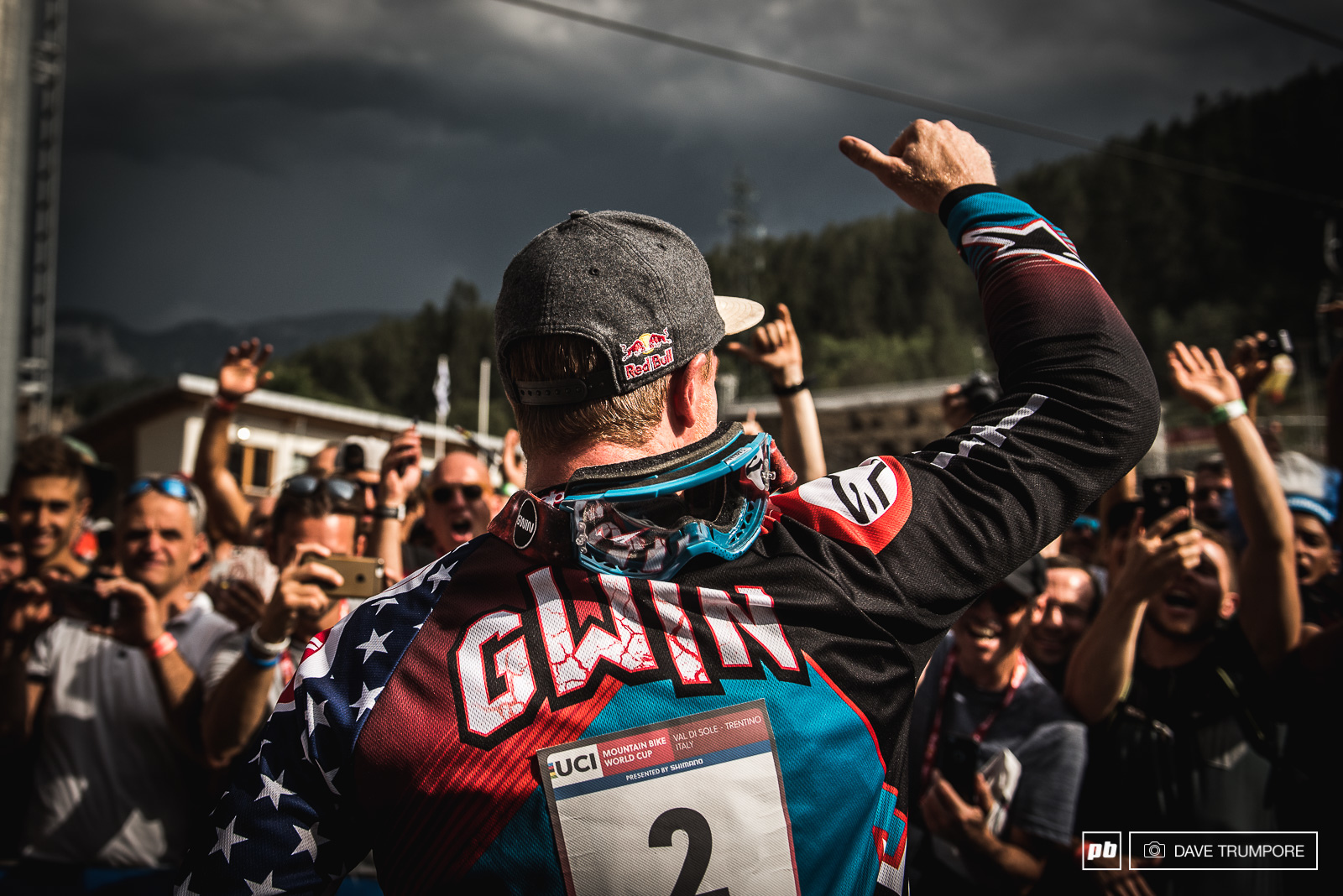 Aaron Gwin is your 2017 UCI World Cup Champion.