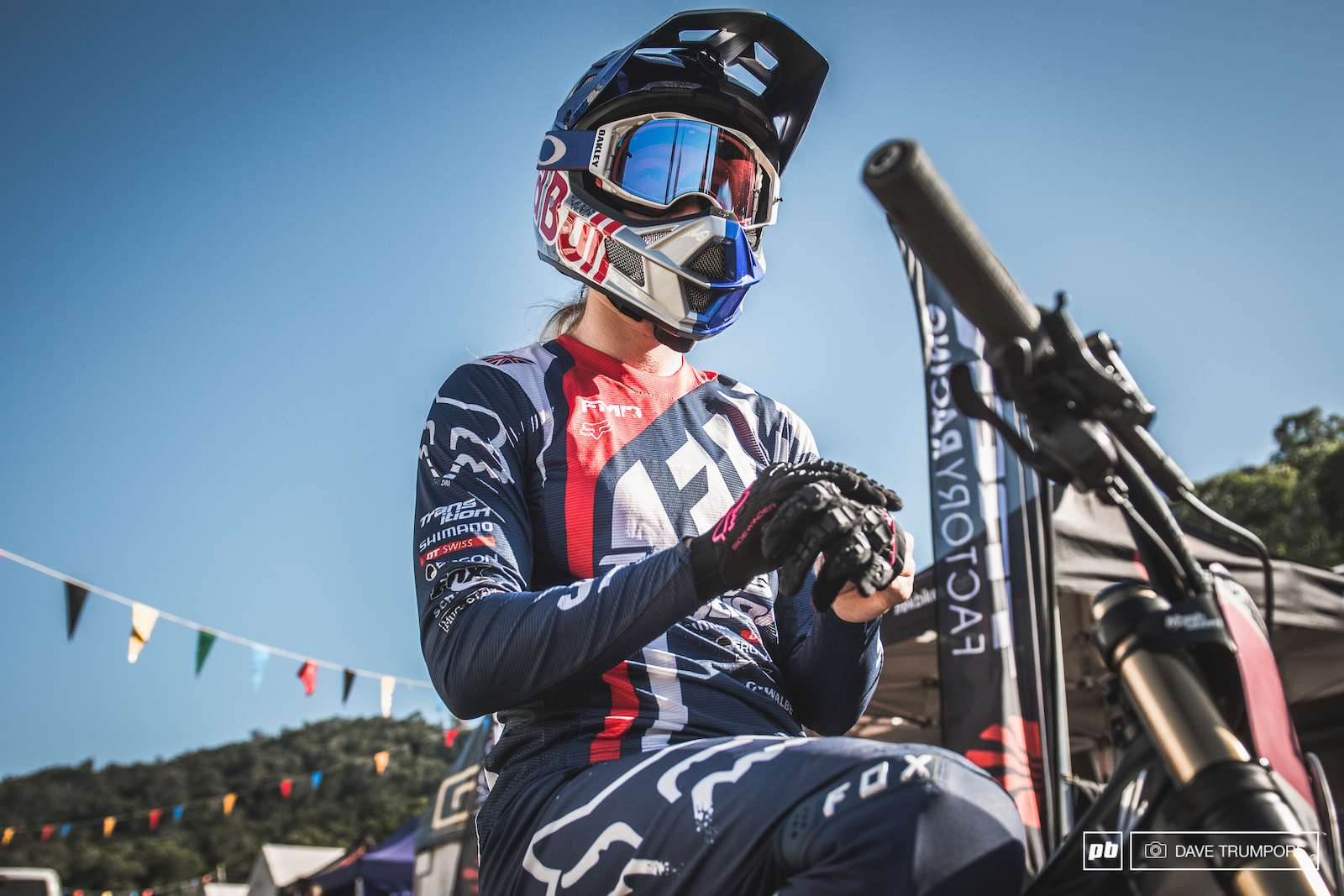 With a fresh custom kit from head to toe Tahnee Seagrave heads to the top of the track to kick off her World Champs bid.