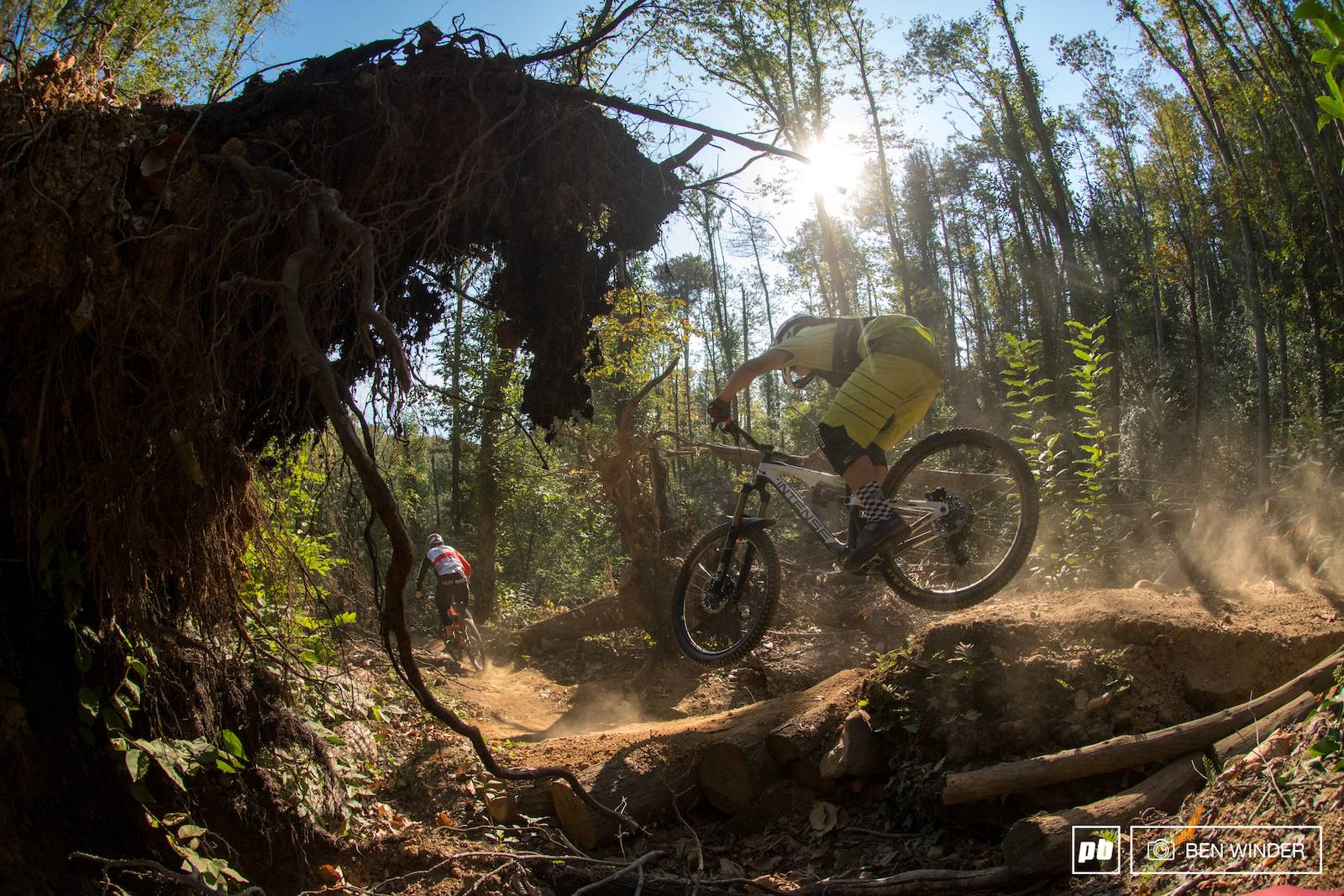 With a relatively dry spell in Liguria at the moment the dust is thick and the trails are slippery.