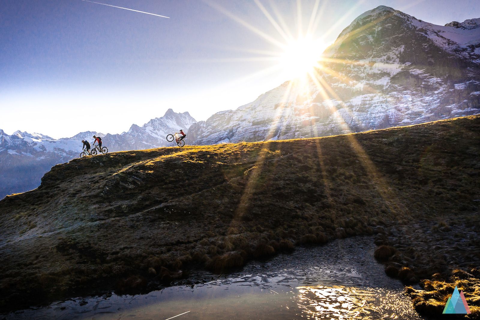 photo: outsideisfree.ch / autumn morning in front of the Eiger Northface pimped with a manual. Can't say no to that.
