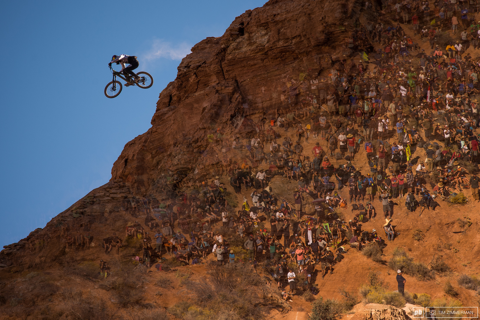 The crowds were on-hand to see if Semenuk would be able to hang onto his crown and become the first rider to secure three Rampage victories. Unfortunately this was not his year.