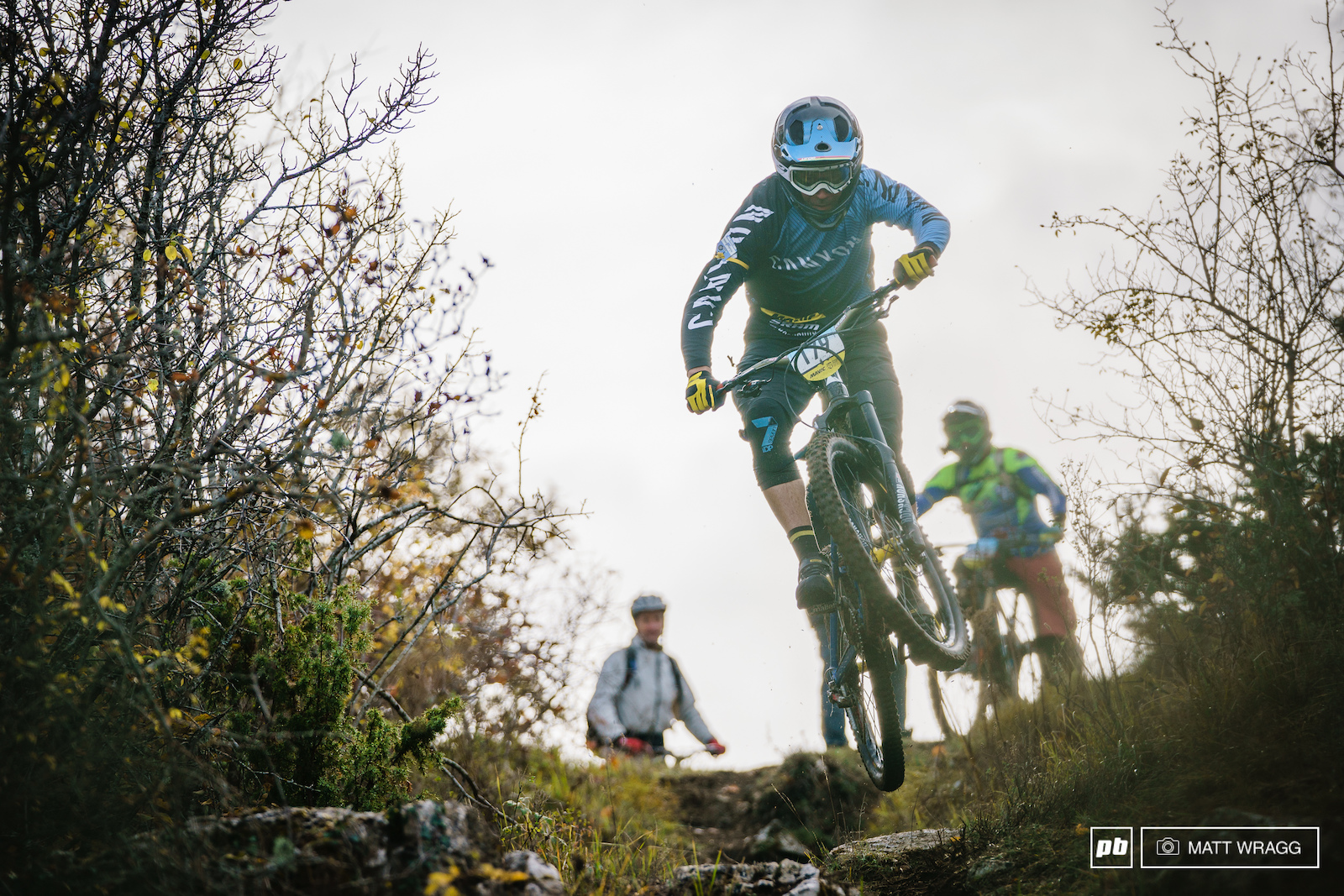 Fabien Barel had a low-key day starting early to ride round with friends and enjoy the day. That said he still managed third overall his leisurely weekend is not quite the same as most people s.