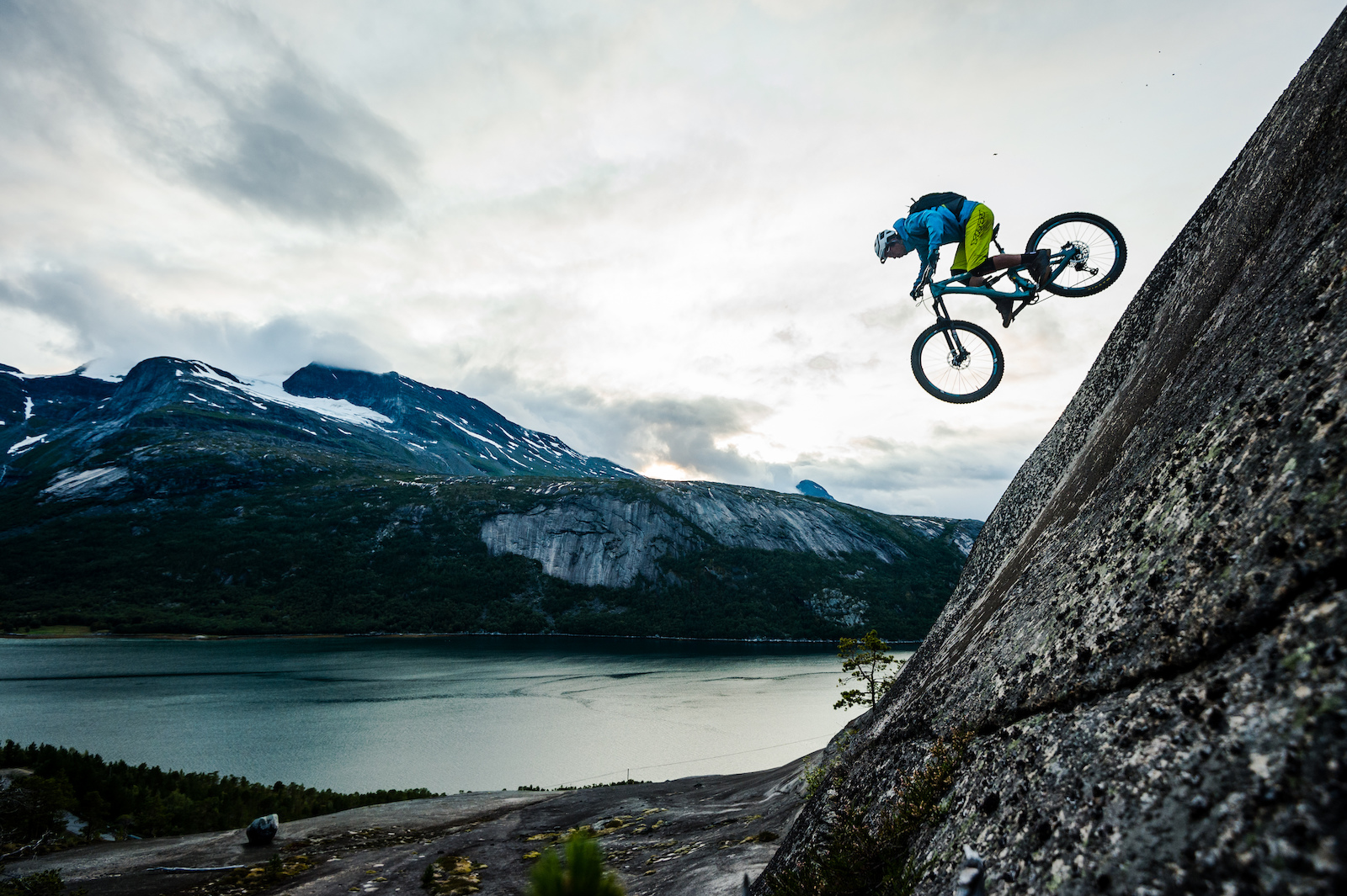 Joey Schulser riding in Skjomen Reinnesfjellet Norway.